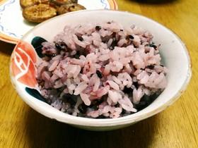 もっちりむっちり紫黒米ご飯。