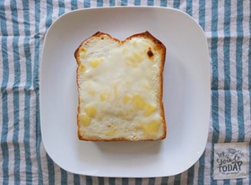 至福の朝!レアチーズケーキ風トースト