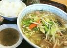 中華屋で酢と胡椒(野菜炒めやタンメン)