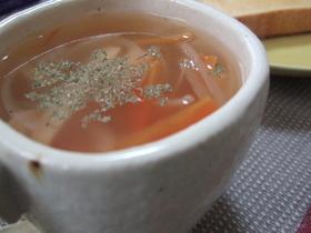 芯からあたたまるソーセージの生姜スープ
