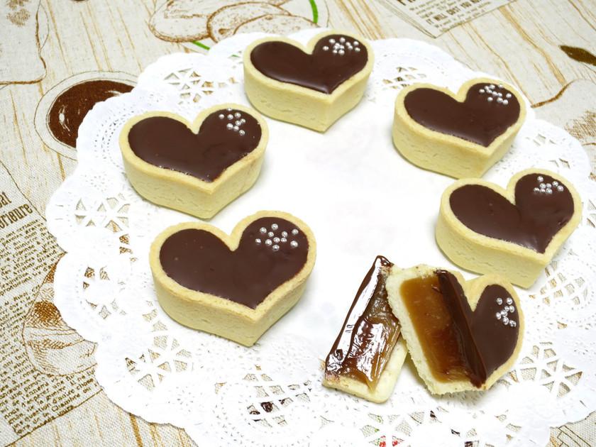 【簡単】ハート型キャラメルチョコタルト