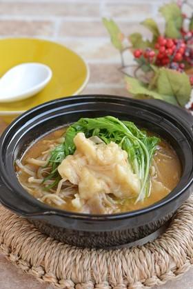 豚バラきのことすいとんの旨辛スープ鍋