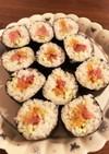 雲丹、中トロ、きゅうりの太巻き寿司