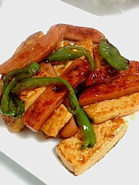 お豆腐とお魚ソーセージのソテー