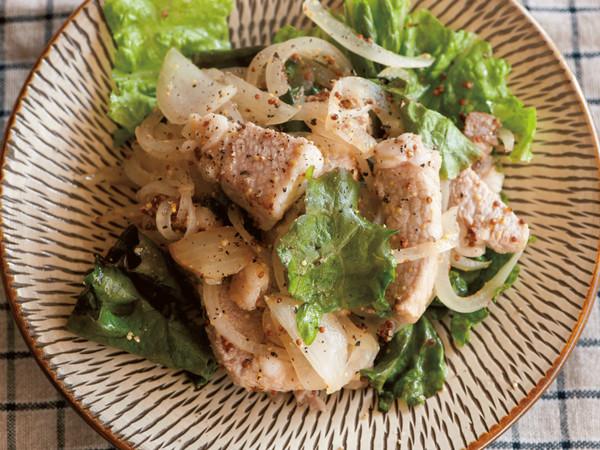 豚厚切り肉のマスタードオニオン焼き