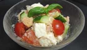 トマト・チーズ・さけ缶詰のハーブ添え
