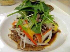 牛肉のカラフルマリネサラダ