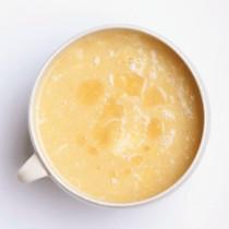 コーンクリームと卵白のスープ