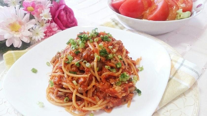 ワンポットで簡単♪サバ缶のトマトパスタ