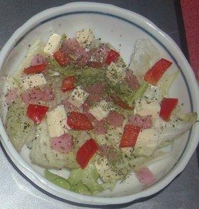 レタス&赤ピーマン&チーズ&生姜のサラダ