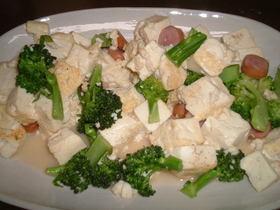 豆腐とブロッコリーのシンプル炒め