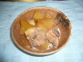 大根と骨付き鶏肉の煮物