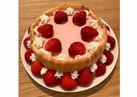 いちごのムースケーキ