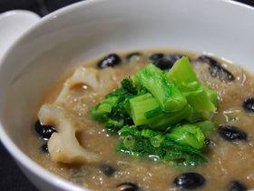レンコンと黒豆のスープ
