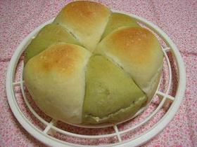 あんこ入りの2色パン
