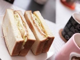 余った食パンで♡簡単ホットサンド