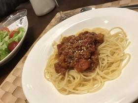 【簡単レシピ】ホールトマトでミートソース