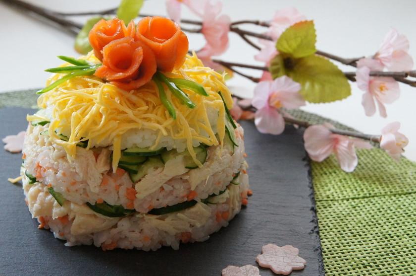 簡単混ぜるだけ!サラダチキンでドーム寿司