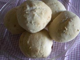 試作、上新粉で丸パン