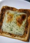 海苔の佃煮のチーズトースト(○´艸`)