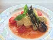 鱈とアスパラのチーズ焼きトマトソースがけの写真