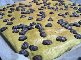 ヘルシーお豆腐のモチモチ緑茶甘納豆ケーキ