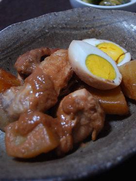 骨付き鶏肉とヤーコンのピーナツ煮込み