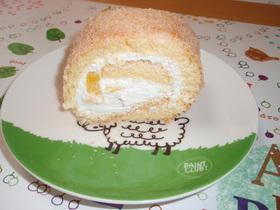 ココナッツとパインのロールケーキ