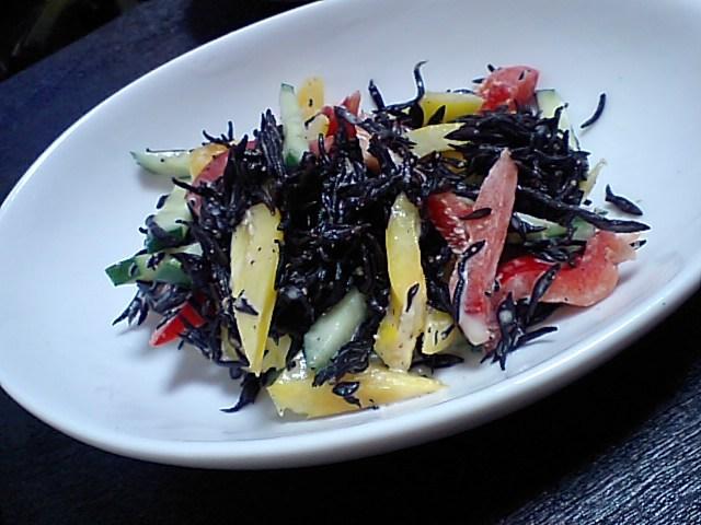 ひじきとパプリカの胡麻サラダ