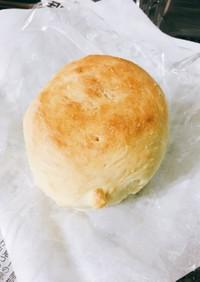 もちもち白いロールパン