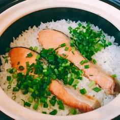 鮭バター炊き込みご飯♡簡単土鍋炊き込み!