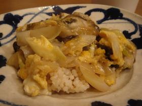 カキと卵の甘辛丼