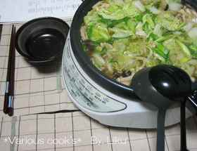 白菜たっぷり♪とり味噌鍋