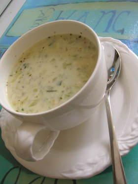 ズッキーニと豆乳のヘルシ~スープ。