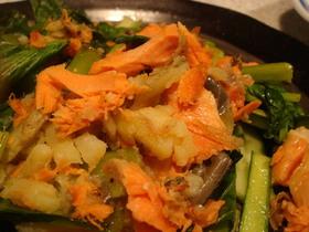 鮭と小松菜のジャガイモ蒸し