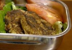コンビーフとポテトのハンバーグステーキ