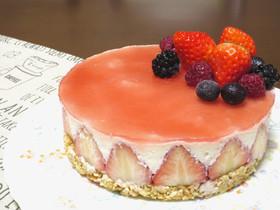 【父の日に】苺の水切りヨーグルトケーキ