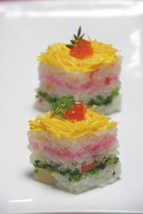 ひな祭り 菱餅型寿司