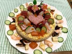 ひな祭りの海鮮バラちらし寿司ケーキ