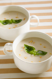ピーナッツの冷製スープの写真