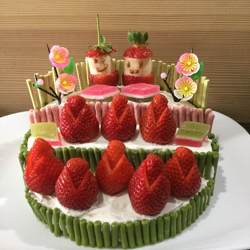 おひなさまの段飾りケーキ