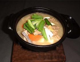 柔らか温かもつ煮豆腐
