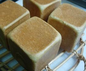 キューブ型角食パン(HBも使用)