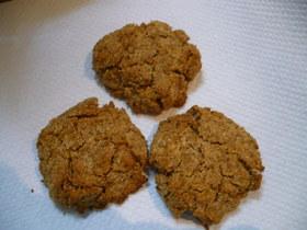 黒糖とブランの便秘解消おからクッキー風?