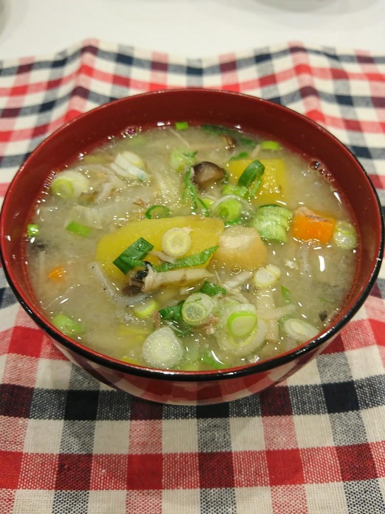 鯖水煮缶  野菜たっぷりの味噌汁