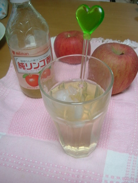 みつかんりんご酢を使ってりんご酢♪