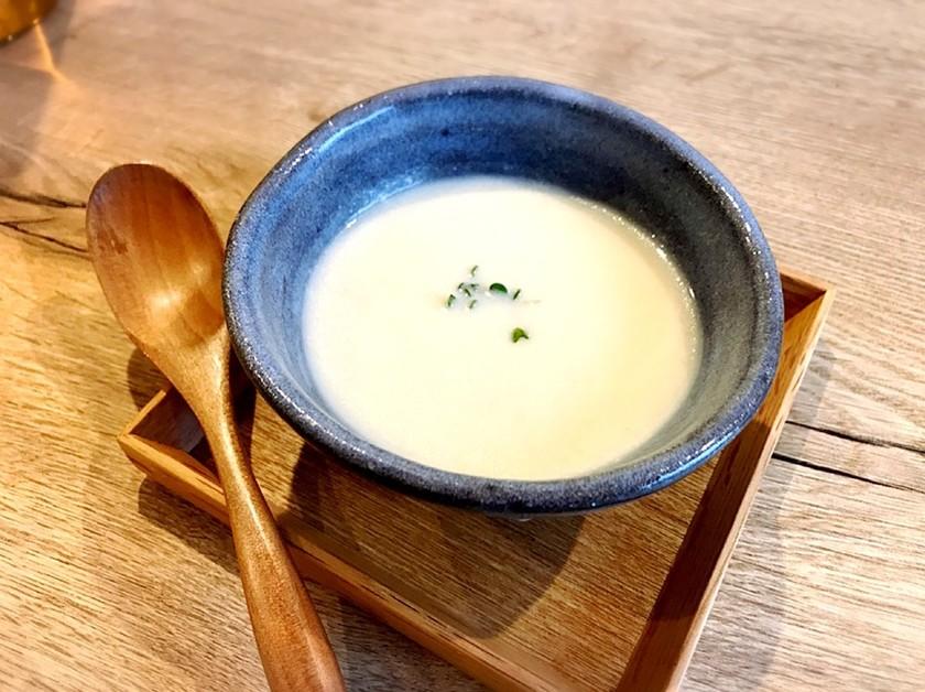 スタジオシズル カブの味噌ポタージュ