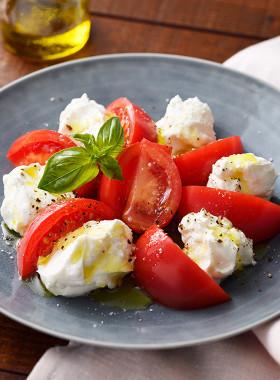 北海道♪こっくりヨーグルトのトマトサラダ