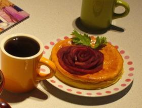 妖艶なバラのケーキ