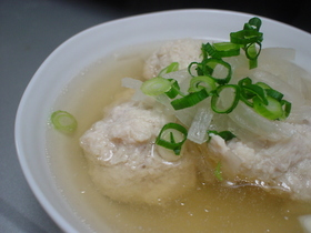 じゃがいもが秘密♡鶏団子スープ